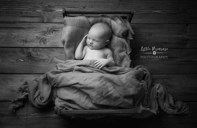 newborn baby photographer - Sandbach, Cheshire - crate