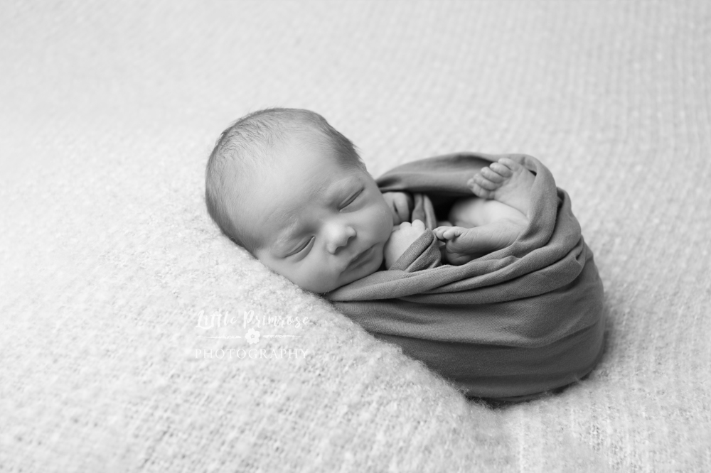 Newborn photography Cheshire baby in egg wrap