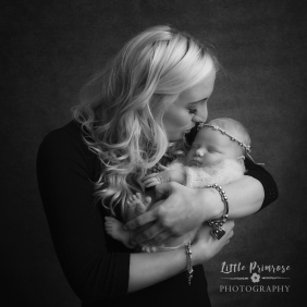 newborn baby photographer - Sandbach, Cheshire - mum and baby
