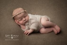 newborn baby photographer - Sandbach, Cheshire - floffytops love rosalie, pearl halo
