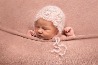 Newborn photographer - Cheshire. Newborn pose, natural, artistic, striking photo, beautiful, Sandbach, Nantwich, baby photo, maternity photo