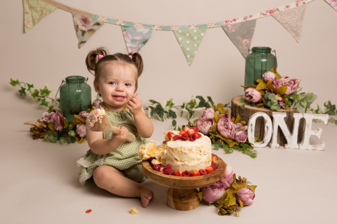 Ellie_Cake_Smash-2