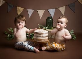 Seth and Rory Cake Smash-5